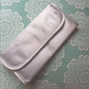 Handbags - Make Up Brush Traveling Case