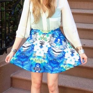 romeo & juliet couture printed skirt - size small