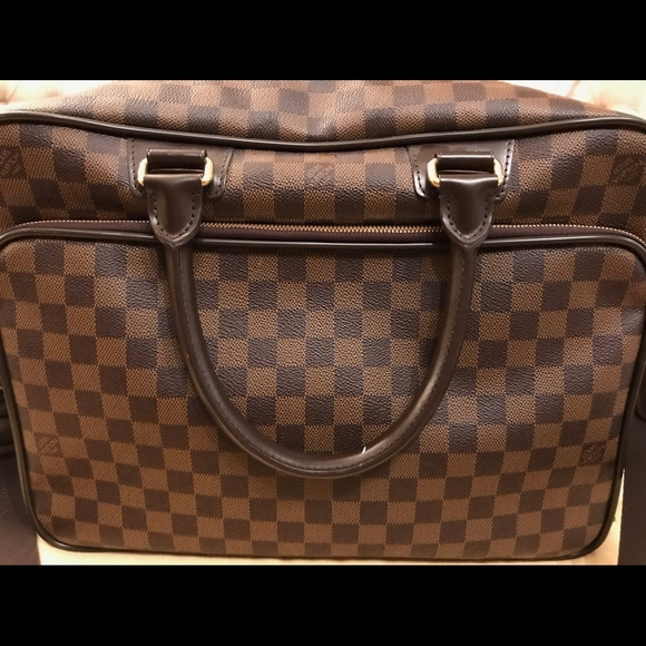 158c029d Louis Vuitton iCare messenger bag in Damier Ebene