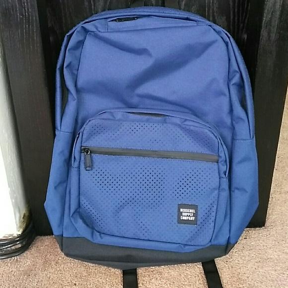 225e64eb3438 NWT Herschel Pop Quiz Aspect Backpack Dark Blue. M 595edea69c6fcfeb44006c84