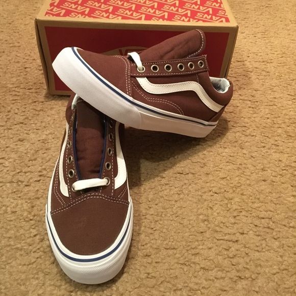 2d8da36fffcf Old Skool Chestnut Vans