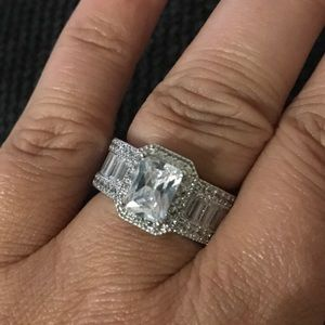 Jewelry - Gorgeous 💍 ring