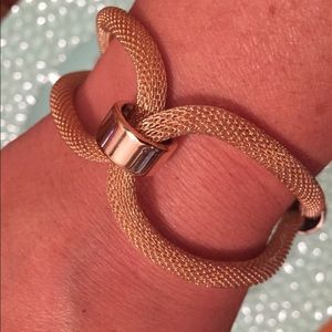 Jewelry - Light weight rope-like braclet