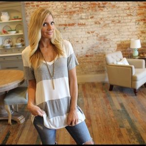 ✨RESTOCKED✨Gray and ivory striped V neck tunic tee