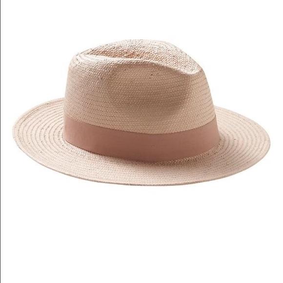e45ab05b6e8af Banana Republic Accessories - Banana Republic Panama Hat