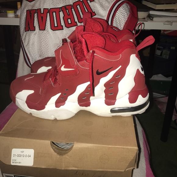 Deion Sanders Nike Air Diamond Turf Max 96 shoes