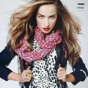 Accessories - SCARVES::INDULGE