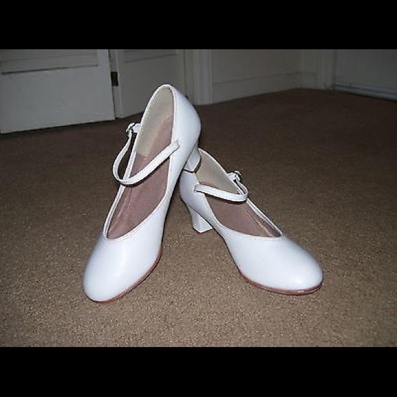 Danshuz White Character Shoes Dance