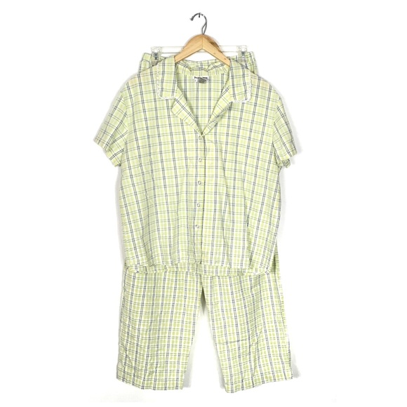 92c640a05a62 ... Yellow Plaid Seersucker Pajama Set. M 595f9448680278fe86003857