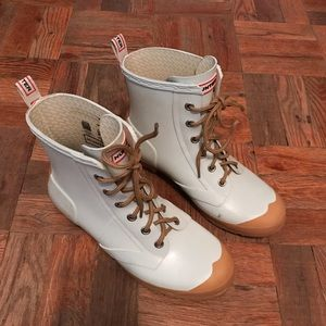 Hunter lace-up ankle rain boots, size 9.5