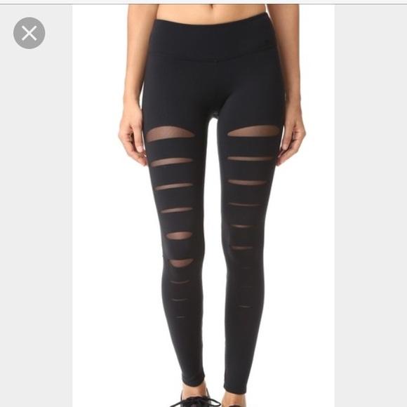 b098ff7c1d SOLOW incise Cutout leggings black mesh Lululemon.  M_595fa81ed14d7b914a02c274