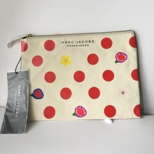 MARC JACOBS MAKE UP TOILETRY BAG