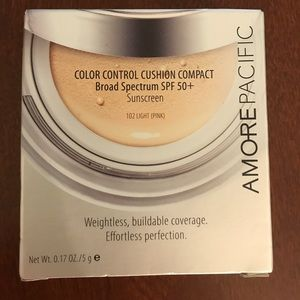 Amore Pacific Color Control Cushion Compact Light