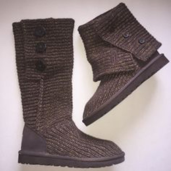 UGG classic cardy black gold