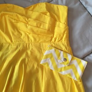 Yellow chevron clutch