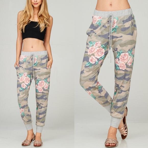 Bellanblue Pants - OLIVIA Floral Print Joggers - OLIVE