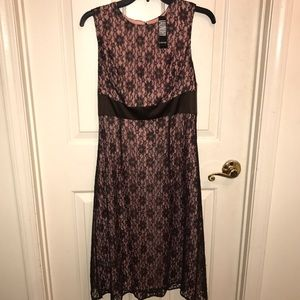 💜LAUNDRY by SHELLI SEGAL💜Lace sleeveless Dress