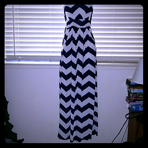 Fashionomics Dresses - 🛍❤*GORGEOUS Chevron Maxi!*❤ 🛍 PRICE DROP!