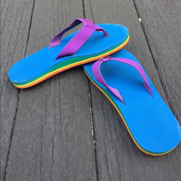 san francisco 5ad94 b4f75 Rainbow Teva Flip-Flop Deckers