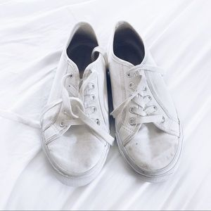Old Navy white lace up sneakers