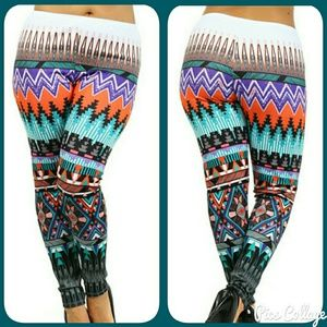 MOVING SALE*2 LEFT!   Vibrant Tribal Leggings