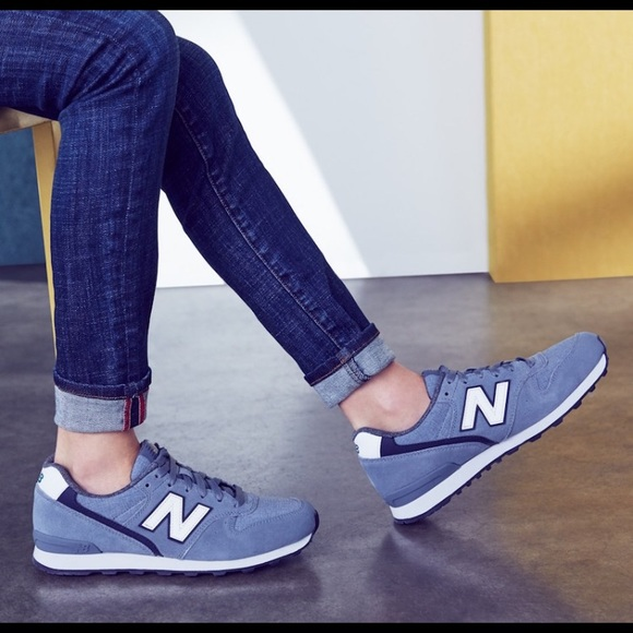 separation shoes c1f29 fdac3 New Balance 696 Sneakers