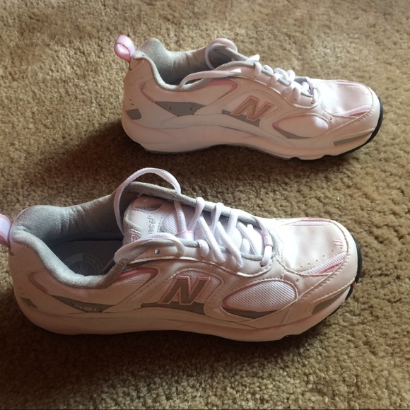 NWT New Balance Womens 491 Walking Shoe NWT