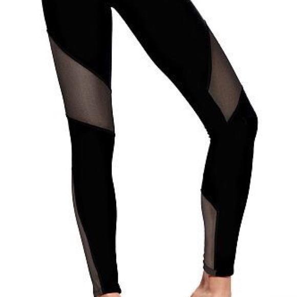 583b5b3aaf2b48 Victoria's Secret PINK Ultimate mesh leggings. M_596193c1eaf03033c505aec2