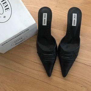 STEVE MADDEN- IN BOX- slip on black leather -9