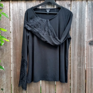 TORRID Lace Bell Sleeve Top Size 00
