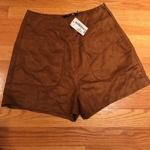 ✨High Waisted Camel Shorts 🐫 SIZE M