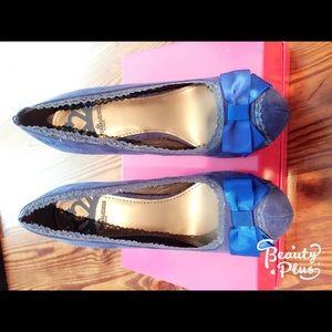 Fergalicious blue suede heels 7,5