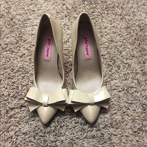 Betsey Johnson Bow Heels