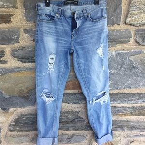 8273ff6cb532 ... EXPRESS 🎉 WORE ONCE Girlfriend Jeans Medium Wash ...
