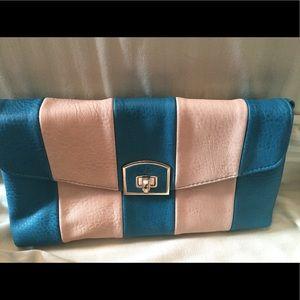 Handbags - Clutch with detachable strap