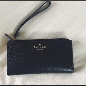 ♠️⚜️ KATE SPADE Black Zip Wallet