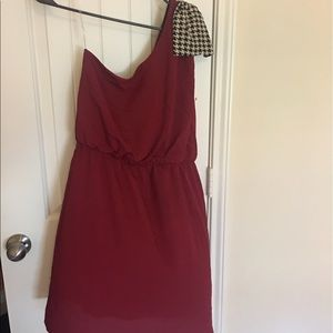 Dresses & Skirts - One shoulder dress with bow