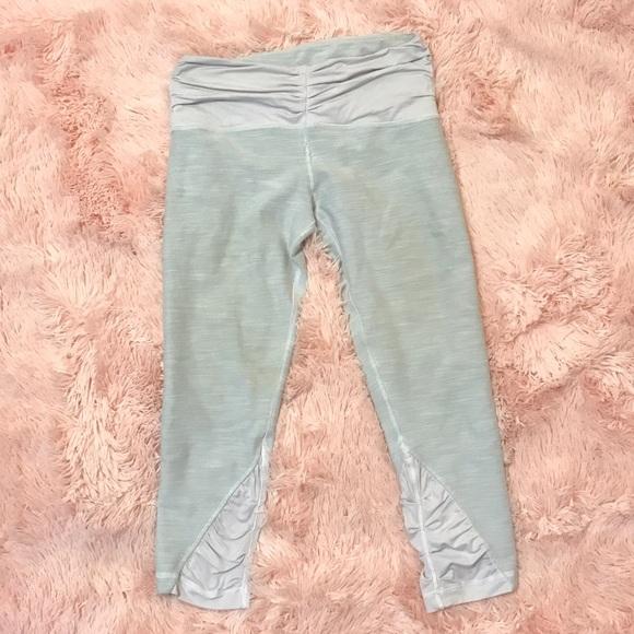 036a7e9c7 lululemon athletica Pants - Lululemon Light Grey Ruffle Crop Leggings Sz 6  EUC