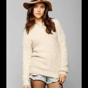 Bycorpus cream popcorn fuzzy oversized sweater