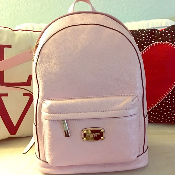 61d5736f4201 Michael Kors baby pink backpack. M_596089e5d14d7b9a610293be