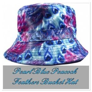 Pearl Blue Peacock Feathers Bucket Hat