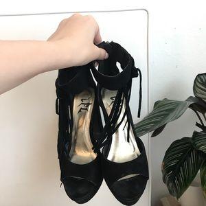 LF black heels