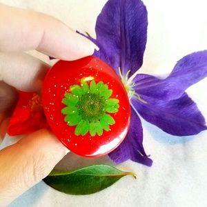 Jewelry - New Green Red Dried preserved flower Ring Size 9