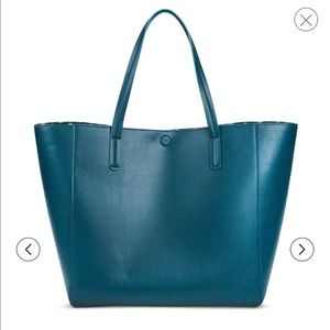 Handbags - Reversible faux leather tote