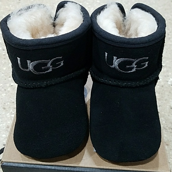 74a638402a0 Brand New In Box Infant UGGs size small (6-12mos)