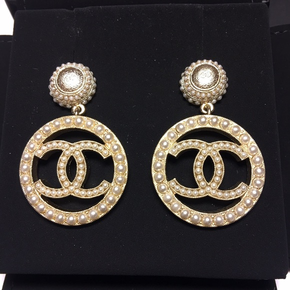 ✨SOLD✨17A AUTH Chanel Pearls Trimming Earrings 5f4e95ad30ae