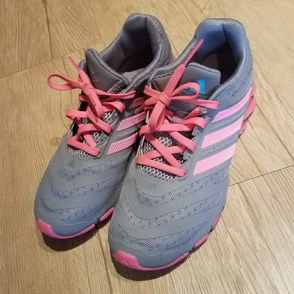 le adidas springblade in scarpe da ginnastica poshmark