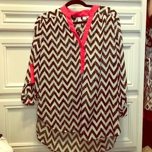Tops - NWT. Women's Chevon Top with Hot Pink trim
