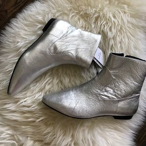 NWT Silver Mod Boots