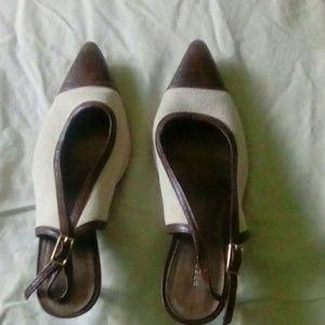Predictions cream and brown kitten heels